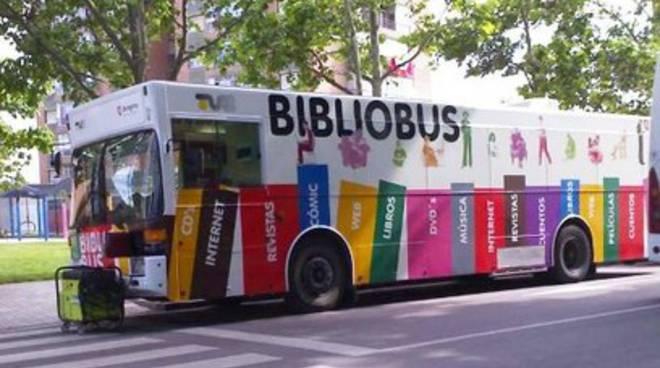 L'annusatrice di libri sul bibliobus