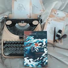 La ragazza conla macchina da scrivere